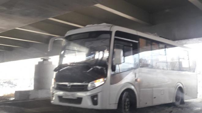 Снова в деле: Софийский мост не пропустил автобус