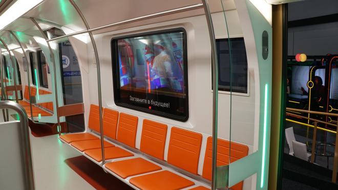 В 2022 в метро Петербурга появятся инновационные вагоны с USB-розетками и разным освещением