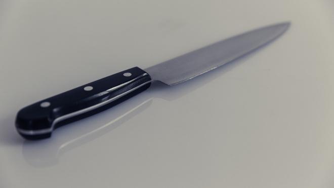 Петербурженка изрезала мужа ножом и сама вызвала полицию