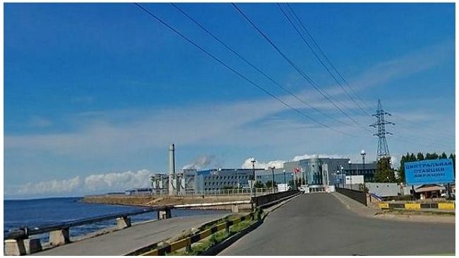 В Петербурге тушат пожар на Канонерском судостроительном заводе