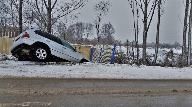 """Ночью на трассе """"Сортавала"""" в аварии погибла 30-летняя женщина"""