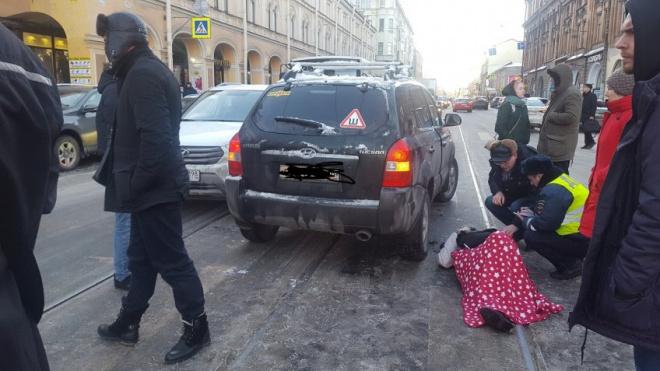 """Хендай"" сбил пешехода у Апраксина двора"