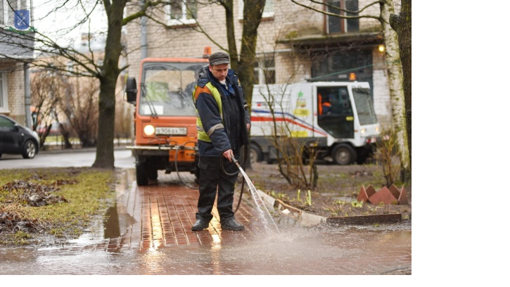 Подведены промежуточные итоги весенней уборки в Петербурге и Ленобласти