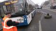 На Будапешсткой у трактора оторвалось колесо и попало ...