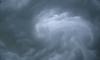 МЧС предупреждает: на Петербург идет шторм, закройте окна и уберите машины из дворов