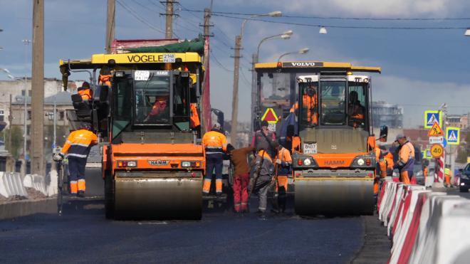 В Петербурге определили подрядчиков для ремонта дорог за 6 млрд рублей