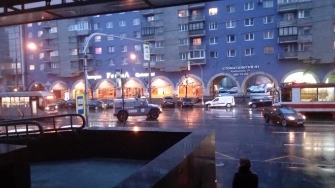 На Финляндском проспекте ДТП с броневиком ОМОНА парализовало движение трамваев
