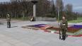 На Пискаревском кладбище почтили память погибших в войну...