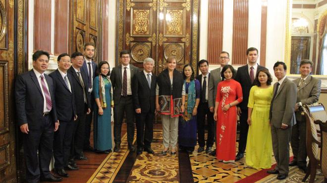 Вьетнамская делегация побывала в Мариинском дворце