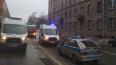 На мужчину рухнула глыба льда в Невском районе