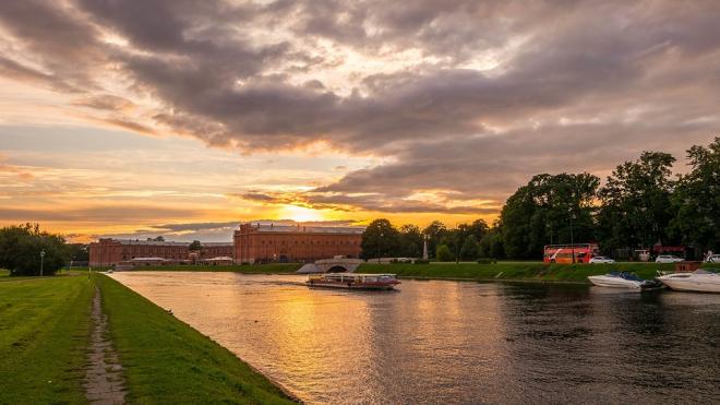 В Петербурге во вторник будет солнечно и немного дождливо