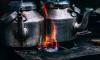 В Тихвинском районе годовалый малыш опрокинул на себя чайник с кипятком
