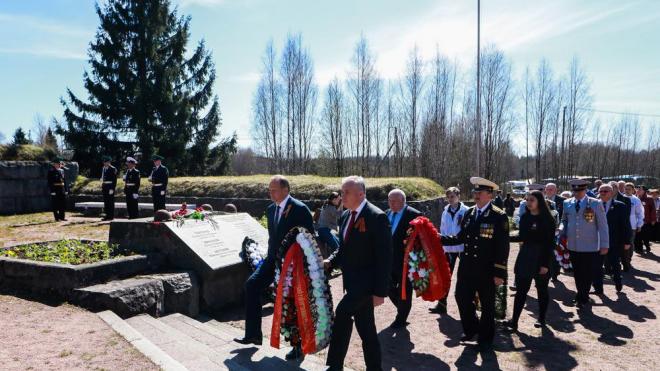 В Выборге почтили память павших защитников Родины