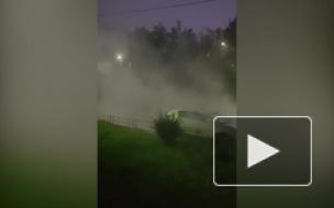 """Видео: на Маршала Казакова появился свой """"Сайлент Хилл"""" из-за прорыва трубы с кипятком"""