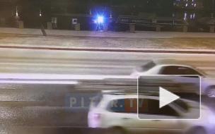Автомобиль развернуло на льду