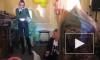 В Диану Шурыгину кинули живой курицей во время выступления