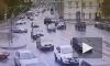 Видео: легковушки столкнулись на Литейном мосту