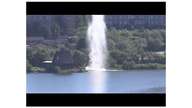 Появилось видео взрыва на Семеновском озере в Мурманске
