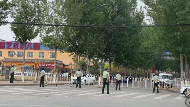 """В районе Пекина ввели """"режим военного времени"""" из-за коронавируса"""