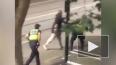 Видео из Мельбурна: Мужчина врезался в ТЦ, поджег ...