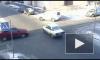 Женщина за рулем «Skoda» обидела мигранта на «жигулях» и джип