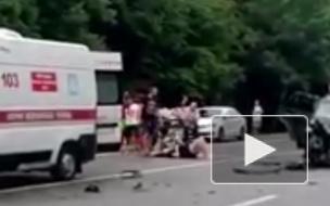 В массовом ДТП на трассе Кубани пострадали 7 взрослых и 2 ребенка