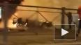 В Сети появилось видео горящего после взрыва автомобиля ...