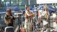 Индейцы-программисты собирают аншлаг на улицах Петербург...