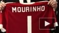 """Радостный Моуринью примерил футболку """"Манчестер Юнайтед"""""""