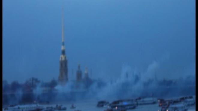 Праздничный салют 9 мая в Санкт-Петербурге