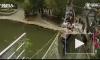 В Китае под туристами порвался канатный мост