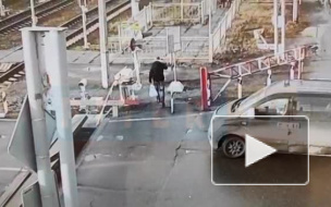"Момент того, как ""Сапсан"" сбил человека у ""Славянки"" попал на видео"