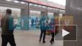 """На станции """"Улица Дыбенко"""" лежал мертвый человек (видео)"""