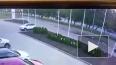 Видеокадры: клиент автосалона Porsche взяв машину ...