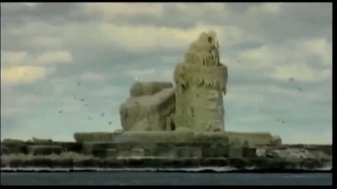 Кливлендский маяк превратился в замок Снежной королевы