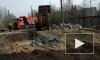 Видео: сотрудники РЖД убирают несанкционированную свалку на Варшавской улице