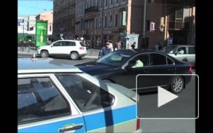 """В Петербурге уволен полицейский, который в рабочее время ездил на чужом """"Бентли"""""""