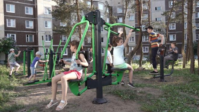 На улицах Гагарина и Харитонова установили новые уличные тренажеры