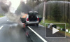 В Петербурге водитель на бетономешалке спас горящий джип