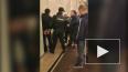 """Видео: на """"Пушкинской"""" неизвестный воткнул нож в спину г..."""