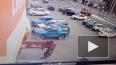 Видео: В Иркутске грузовик на полной скорости врезался ...