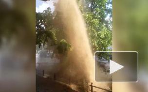 Еще несколько грязевых фонтанов забили на Васильевском острове