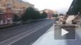 Опасное видео из Кемерово: школьники прокатились на крыш...