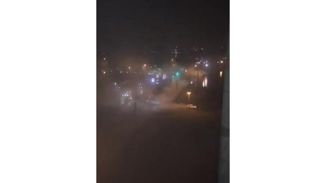 На Васильевском острове из-за прорыва трубы с горячей водой возможен провал грунта