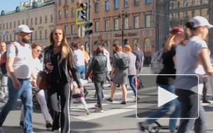 Акимов: россияне смогут пользоваться бумажными паспортами после перехода на электронные