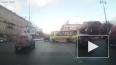 Появилось видео с Московского проспекта, где маршрутка ...