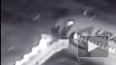 Опубликовано видео падения людей с трапа самолета ...