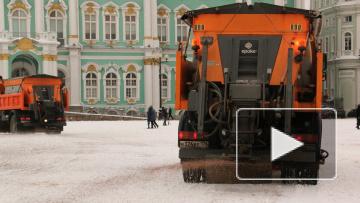 С начала зимы снег с улиц Петербурга убирали круглосуточ...