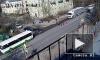 Появилось видео, как автобус сбивает женщину в Красном Селе