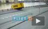 В центре Петербурга водитель погиб при падении фуры в Неву